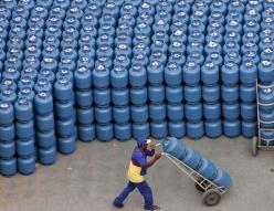 2020-04-08t210356z_1_lynxnpeg370nq_rtroptp_4_energy-bolivia-brazil.jpg