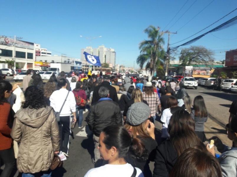 Cachoeirinha - passeata.jpg